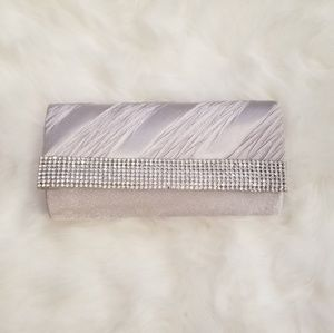 Silver handbag with rhinestones and optional chain